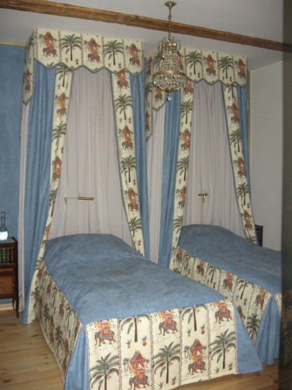 балдахин в спальной комнате