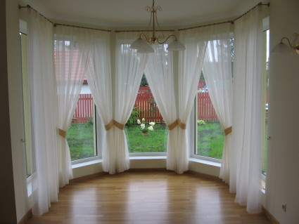 white daytime curtains