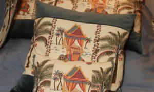 Красивые декоративные подушки в интерьере