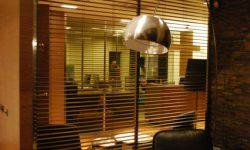 horizontal wooden blinds