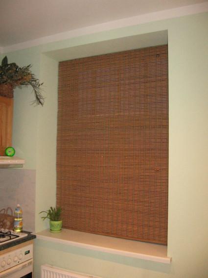 Бамбуковые жалюзи скручиваемые или стягиваемые