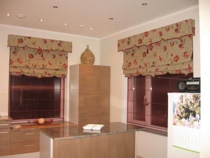 красивые Римские жалюзи в кухню