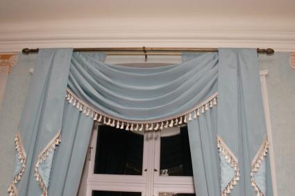 красивые синие шторы ламбрекены
