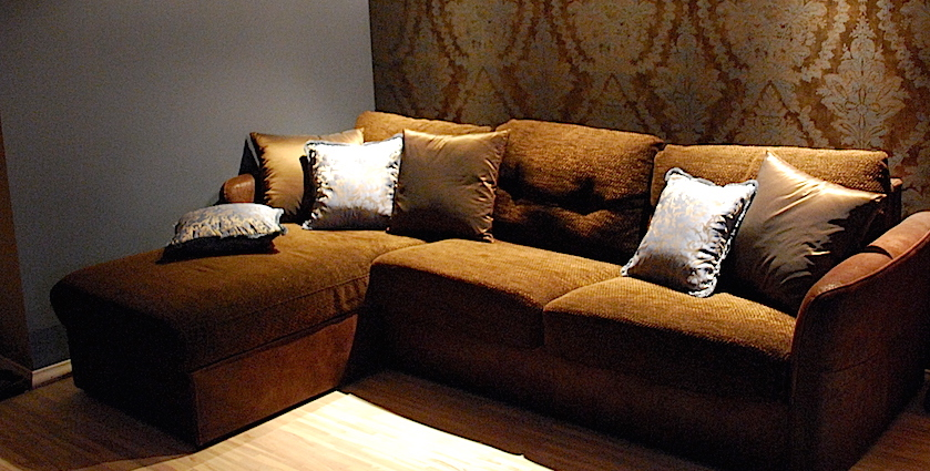 decorative pillows in living room